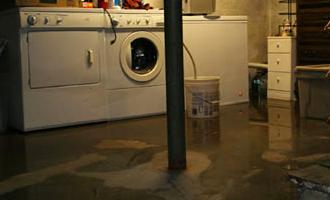 Det danske regnvejr bliver tiltagende mere kraftigt, så du bør sikre dig med en højvandslukker mod oversvømmelse i kælderen